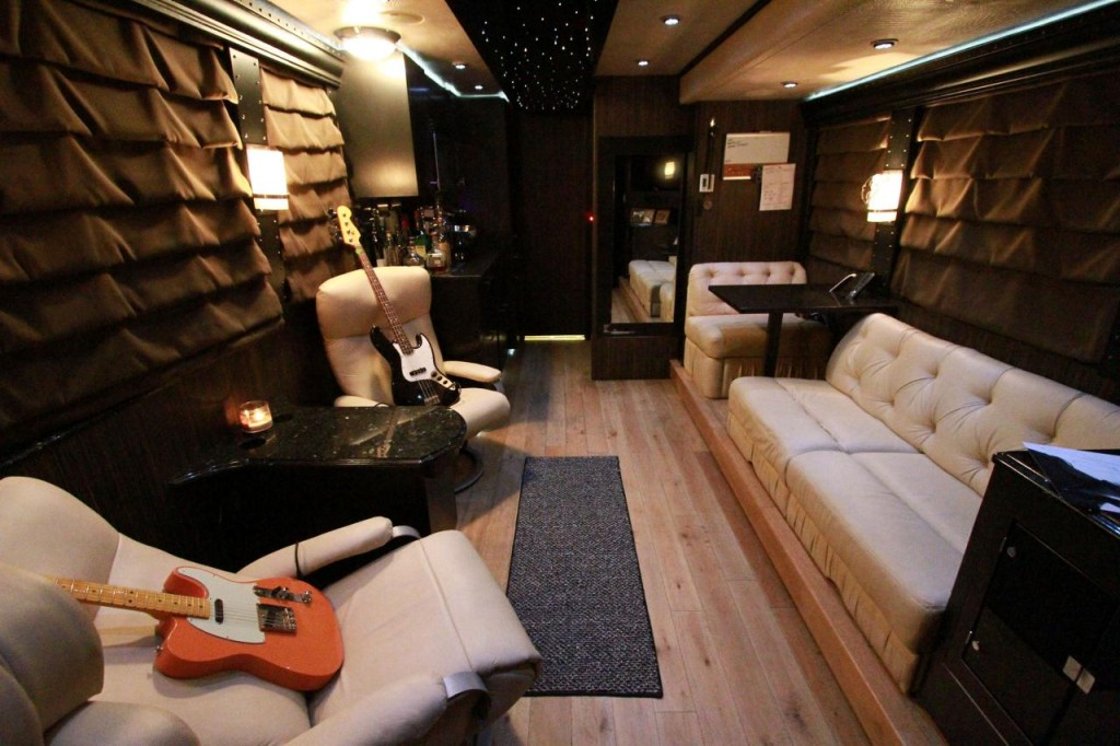 Rock Fiction Primer, Part One: The Tour Bus